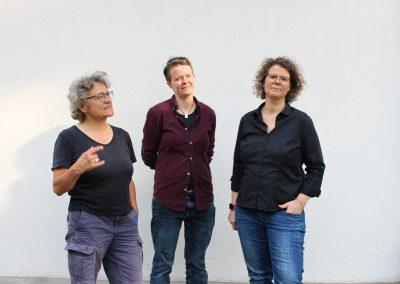 Vorstand LesbenRing e.V., Hedy Gerstung, Kathrin Schultz, Marion Lüttig, Foto: Stephanie Kuhnen, 5184x3456px.jpg, 72 dpi, 6,5 MB